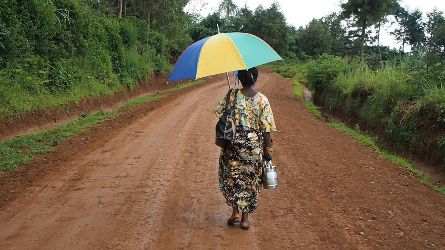 pregnant-woman-from-congo-walks-27-km-in-5-hours-just-to-get-to-her-nearest-clinic-5__880