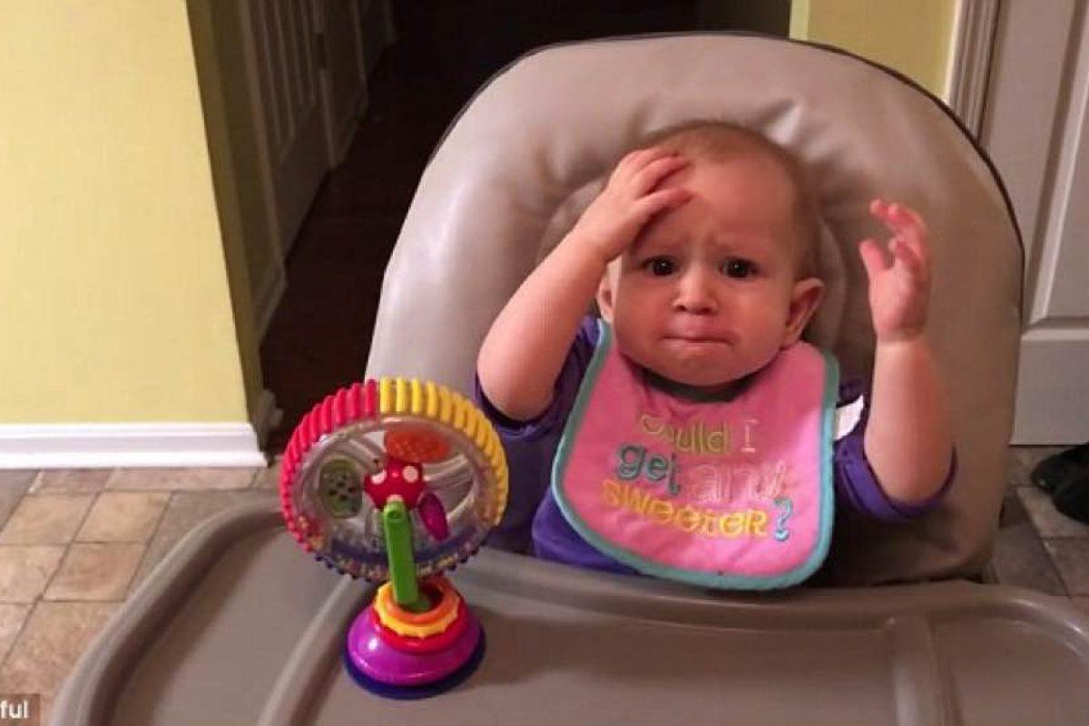 Μωρό δοκιμάζει μπρόκολο για πρώτη φορά. Η αντίδρασή της είναι ξεκαρδιστική!