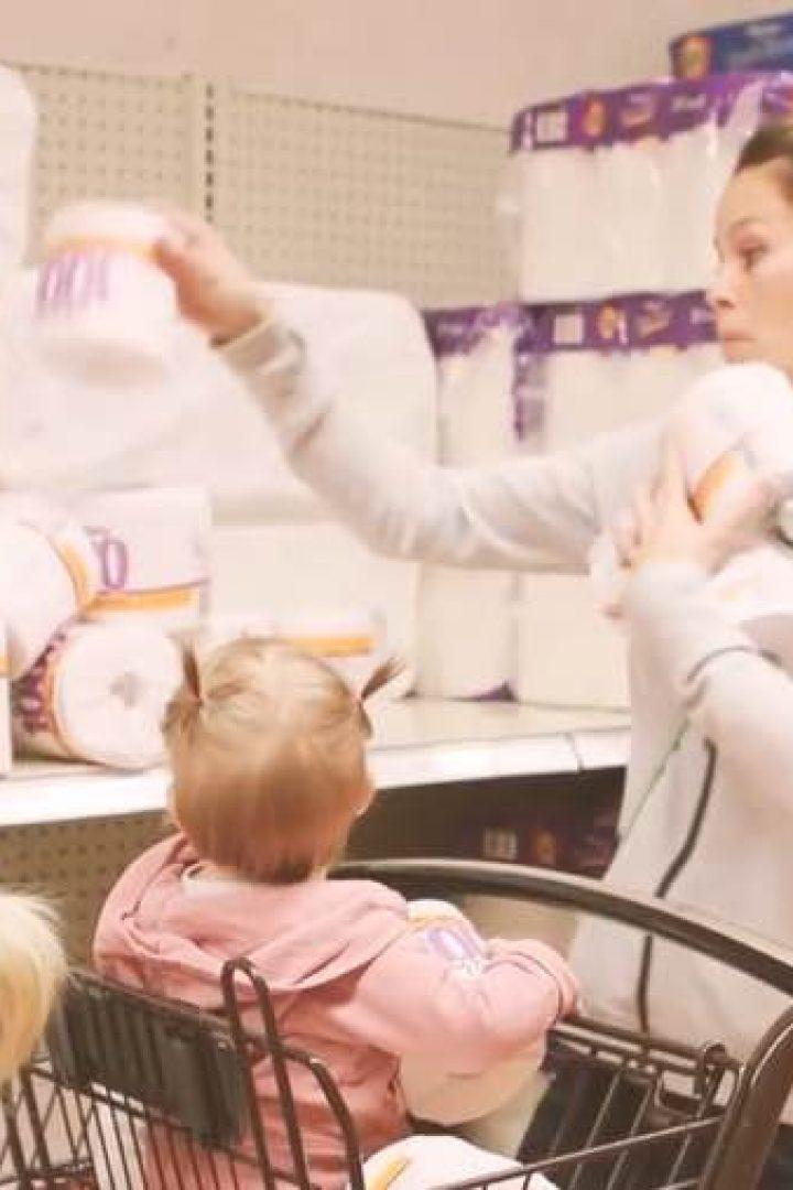 Βίντεο: Μια καθημερινή μέρα μέσα από τα μάτια μιας μαμάς και ενός παιδιού!