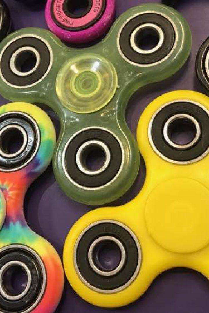 Fidget spinners: οι γονείς δεν βλέπουν κανένα νόημα και αυτό ακριβώς είναι το νόημά τους!