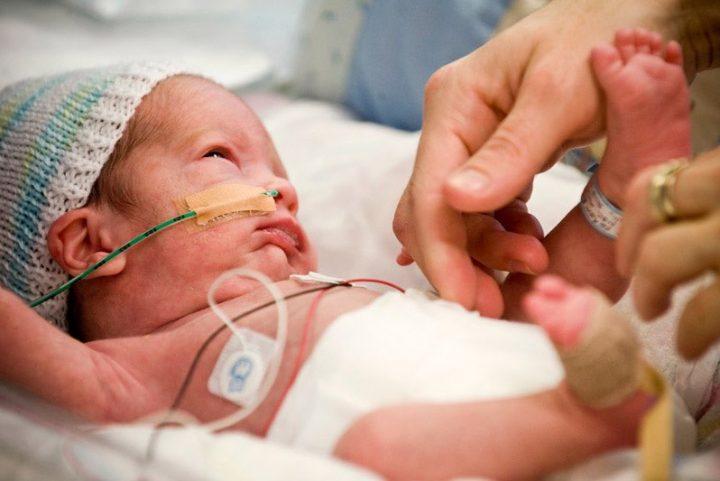 Πώς και γιατί το μητρικό γάλα των πρόωρων μωρών διαφέρει